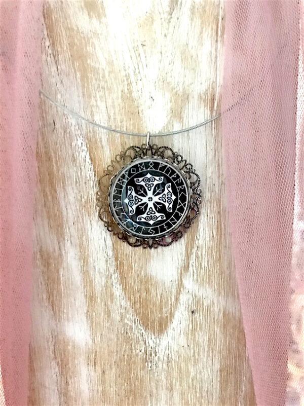 Médaillon-cercle-de-runes-protection