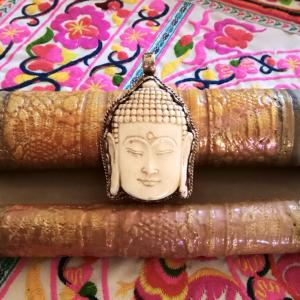 pendentif bouddha corne tibet