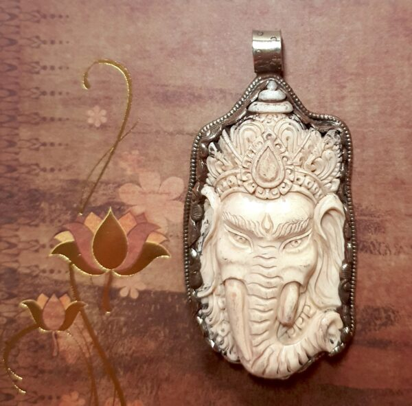 pendentif Tibet Ganesh corne